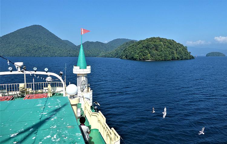 有珠山でへとへと、洞爺湖でのんびり 北海道を訪ねて