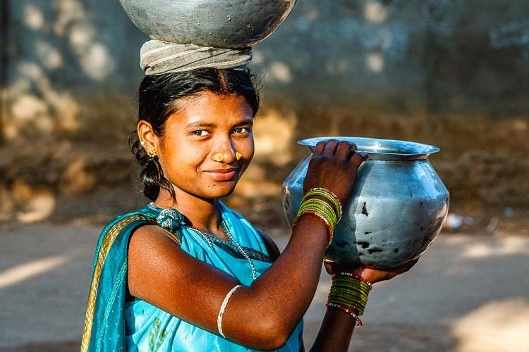 インド人の暮らしに欠かせない「水瓶」<9>