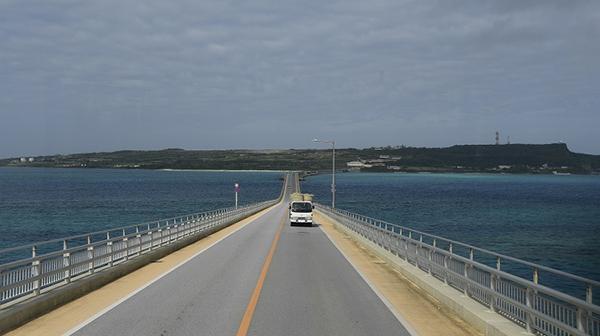 旅行作家・下川裕治、沖縄の離島路線バスの旅完結!