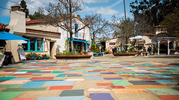"""歴史とアートが融合するサンディエゴの""""村"""""""