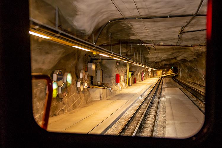 気絶するほど悩ましいユングフラウ 1等車と5つ星ホテルで巡るスイス一週鉄道旅(9) インターラーケン~ユングフラウヨッホ