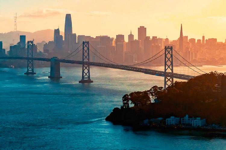 ベイブリッジとサンフランシスコ(GettyImages)