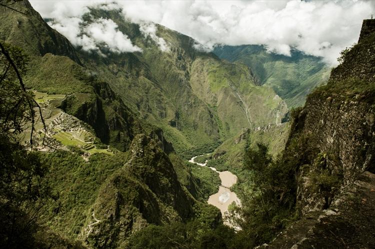 ワイナピチュから見た山奥の遺跡