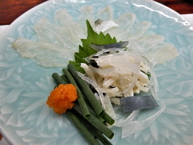 フグ養殖は陸上で 肉も魚介も味わい尽くす 壱岐の旅(下)