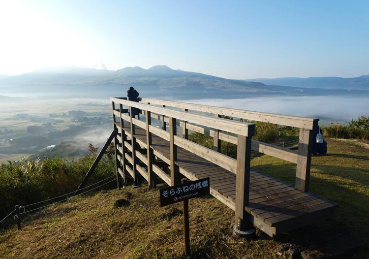 阿蘇山はやっぱりど迫力! 鉄道や道路も熊本地震から復旧