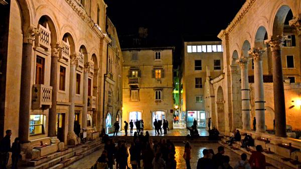 世界遺産の宮殿に暮らす人々 クロアチア・スプリット