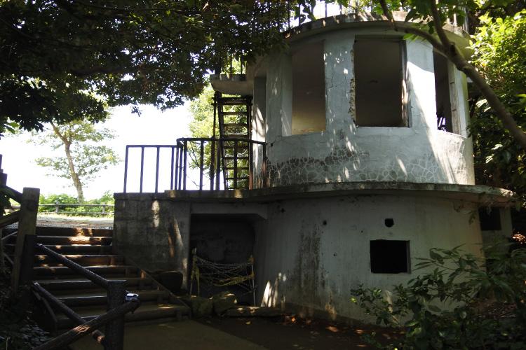 東京湾に浮かぶ唯一の無人島「猿島」 要塞の歴史を訪ねて