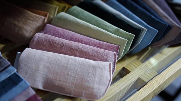 自然からいただく色を追い求めて 京の老舗染物店