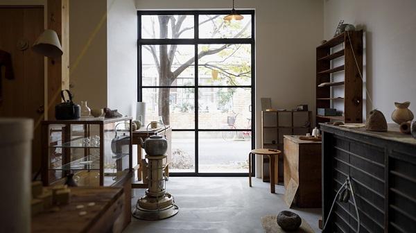 名もなき物の声に耳を傾け 週1回開く京の古道具店
