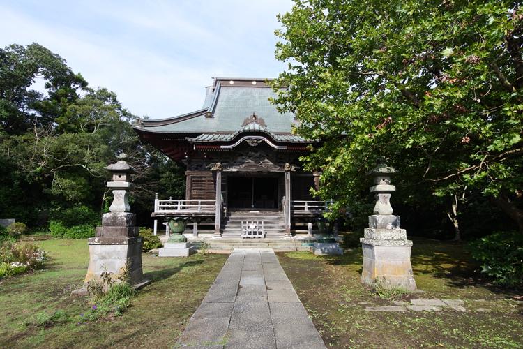 牛若丸と天狗の伝説も有名な天台宗 飯縄寺