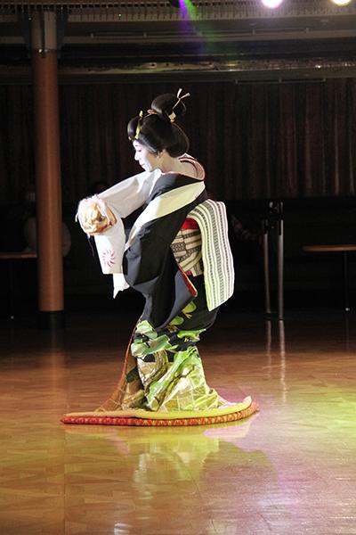 日本舞踊のショー