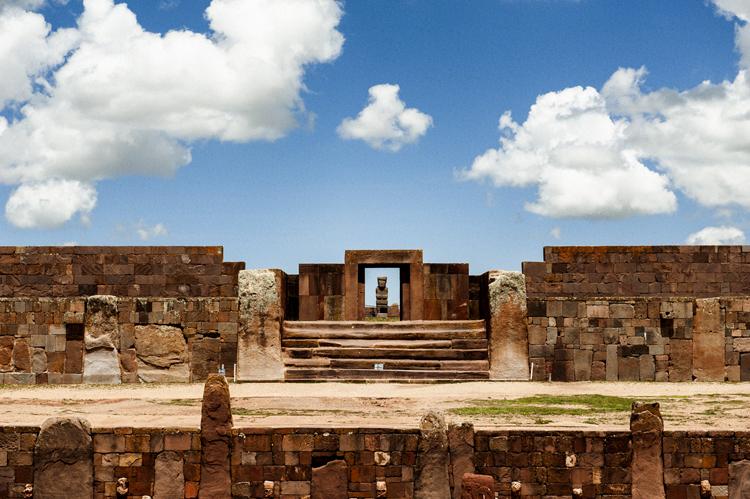 南米古代遺跡のひとつ ティワナク遺跡