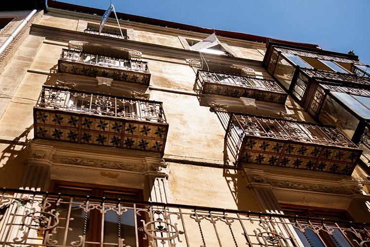 細部まで装飾が美しいセゴビアの住宅