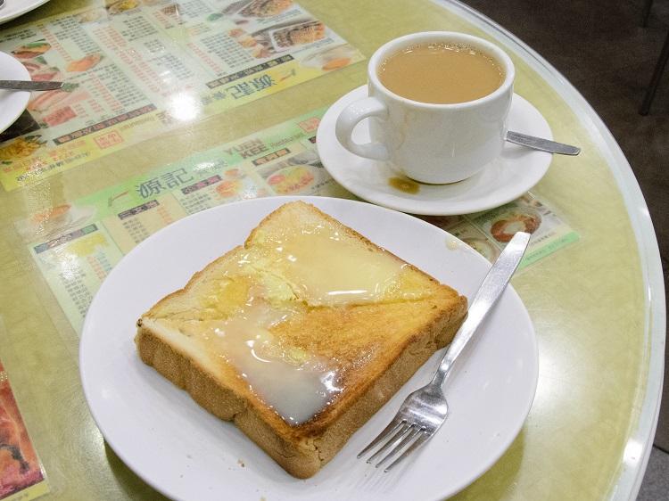 トーストと鴛鴦茶