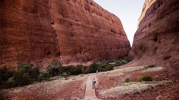 地球が創造した美しい岩山 オーストラリア