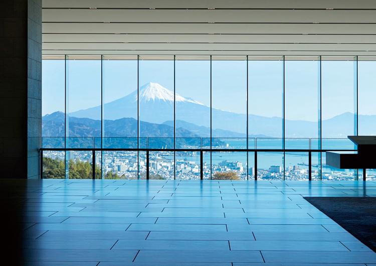 「日本平ホテル」のロビー(画像提供:日本平ホテル)