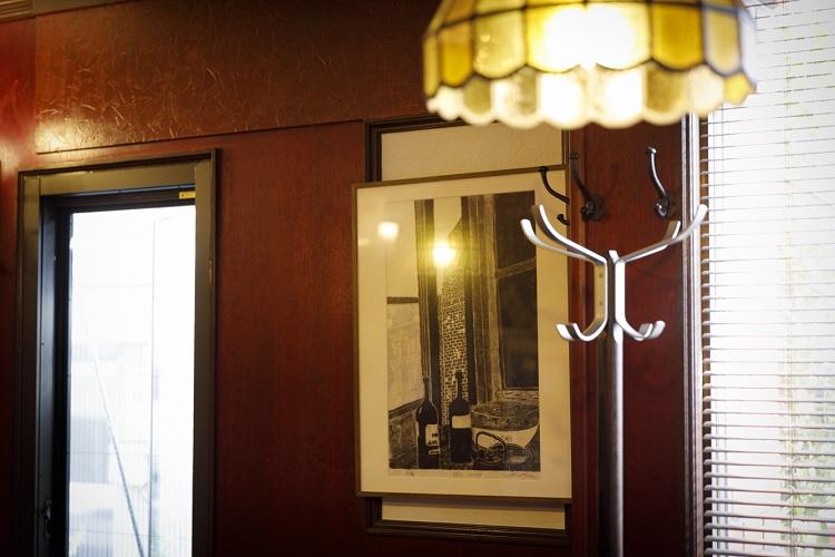 浅井さん自身が通った、元の喫茶店の雰囲気を残して改装した