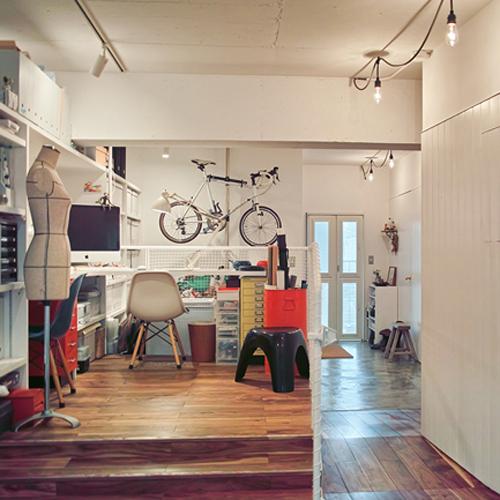 港町っぽい部屋に自転車5台