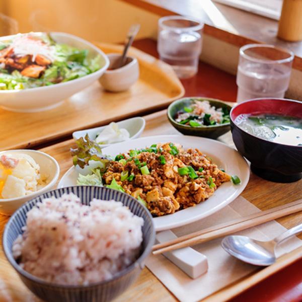 <6>鎌倉という長屋で、銭湯のような食堂を