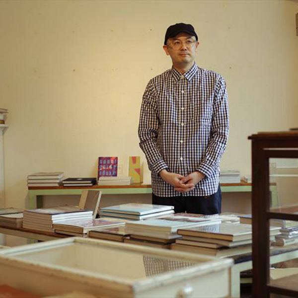 昭和初期の建物に惹かれて書店を 森岡督行さん