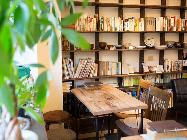 <43>定食は野菜たっぷり 陶芸好きカップルの手作りカフェ