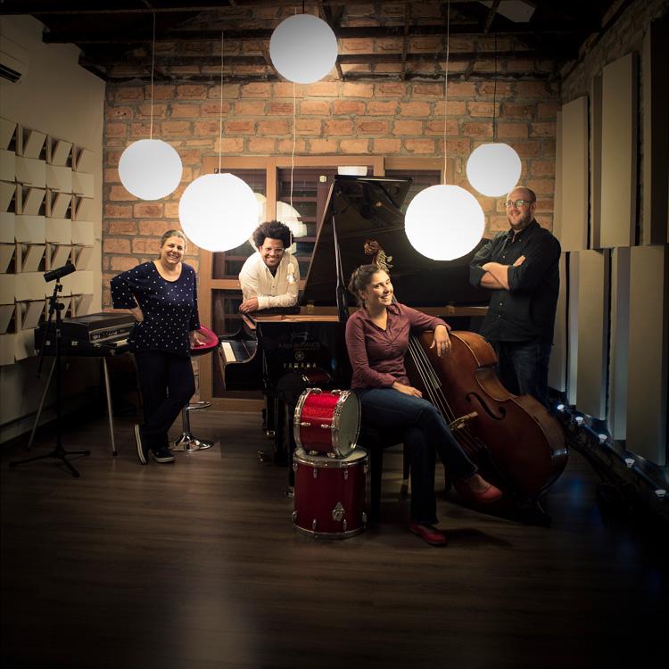 ブラジルのリズム、洗練のジャズ。ダニ&デボラ・グルジェル・クアルテート