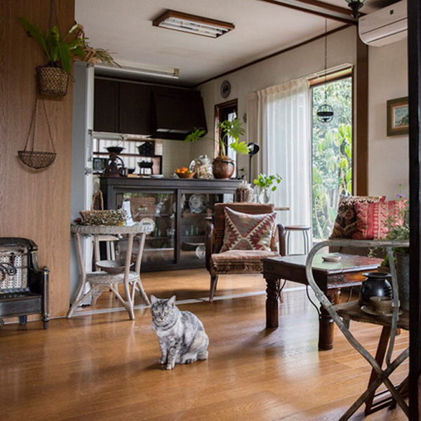 <4>古い家具や道具を生かした家で、人生の相棒と暮らす ~gigi