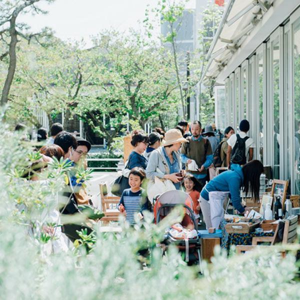 月1回の「まちの寄りあい場」。Green Morning Market