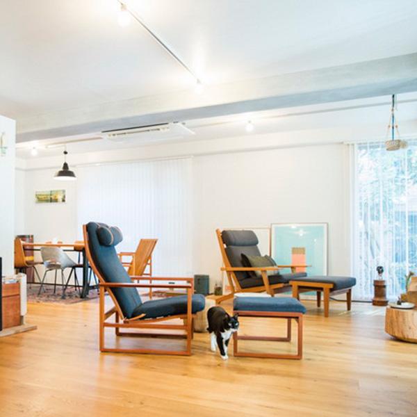 <12>白黒の猫も心地よい、ヴィンテージ家具のインテリア~ウズラ