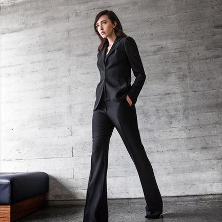アクリスのクラフツマンシップでかなえる、自分だけのスーツスタイル