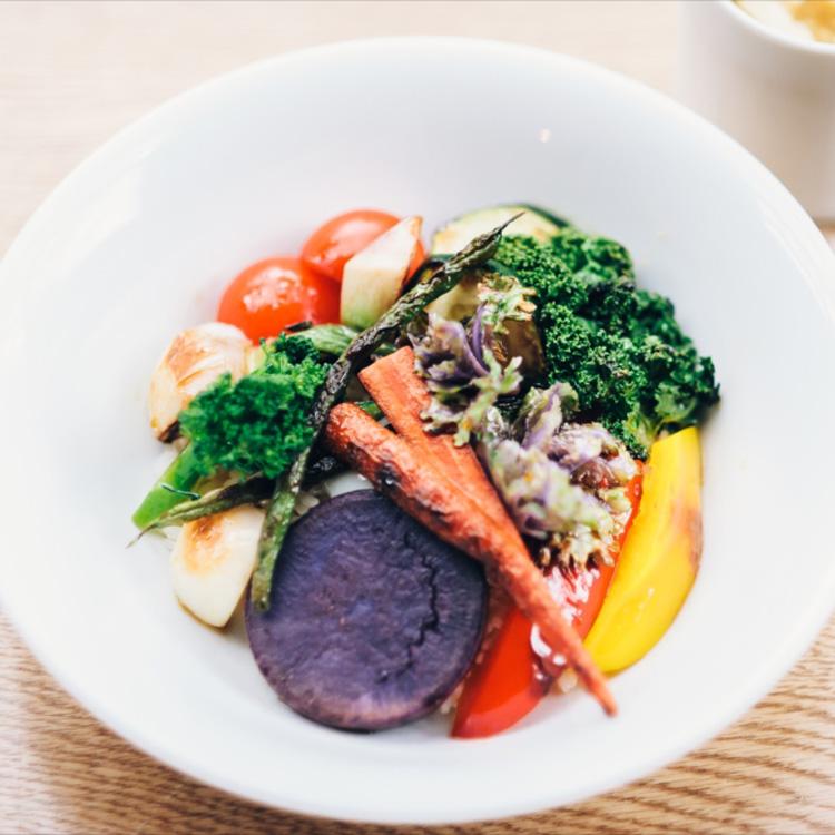秘密の花園の野菜料理と、午後のおしゃべり。「カフェ カエル」(後編)
