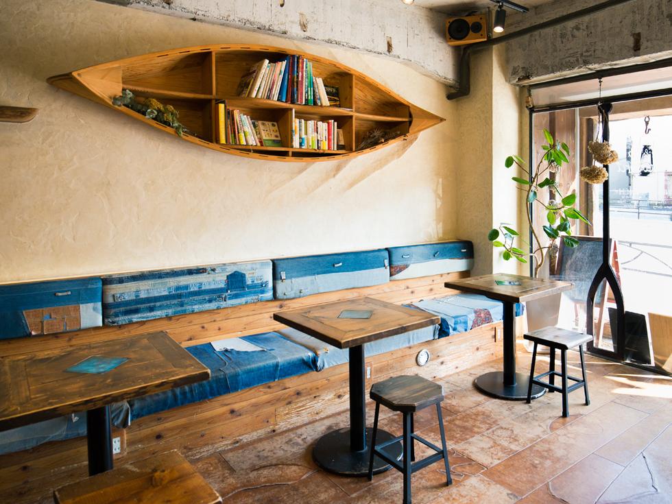 <92>二つの扉の間に広がるオアシス 「cafe & bar totoru」