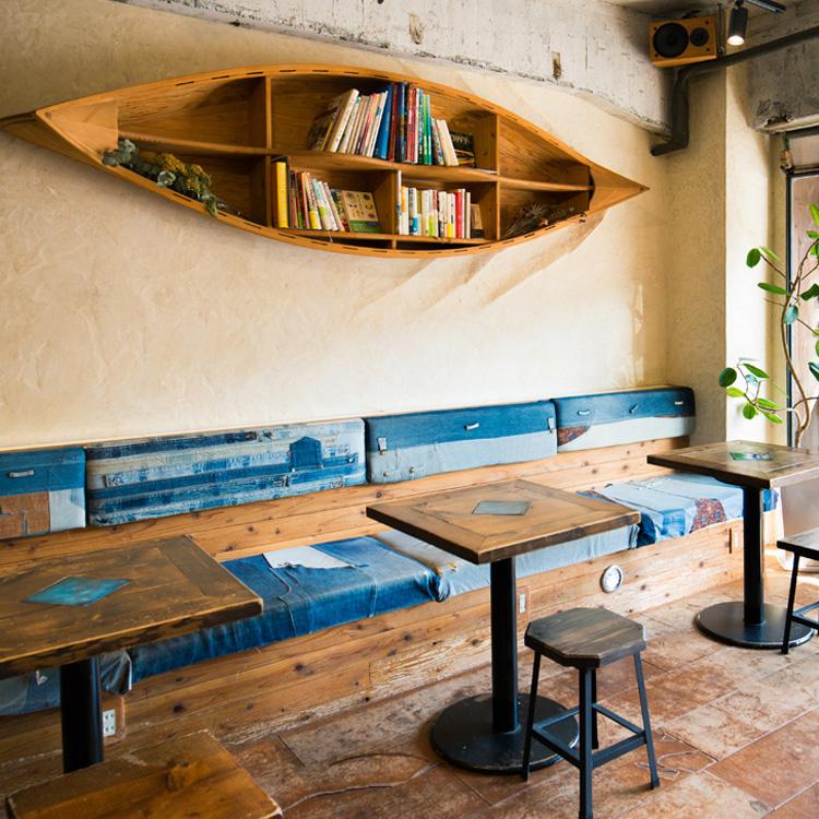 二つの扉の間に広がるオアシス 「cafe & bar totoru」