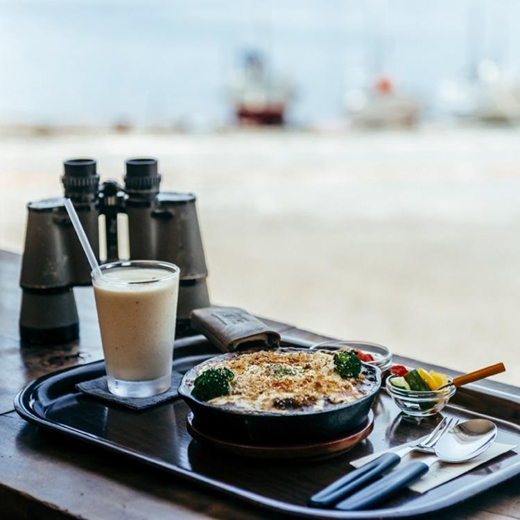 山グルメの夢、三崎港で週3日起動する。カフェ「雀家」(前編)