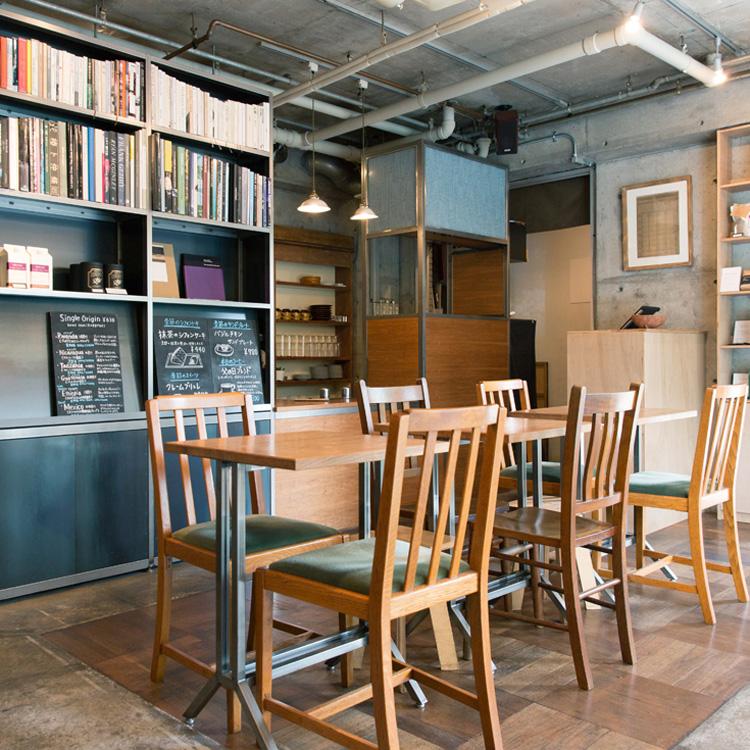 コーヒーと本で地元に憩いのひとときを 「CAFE OBSCURA」