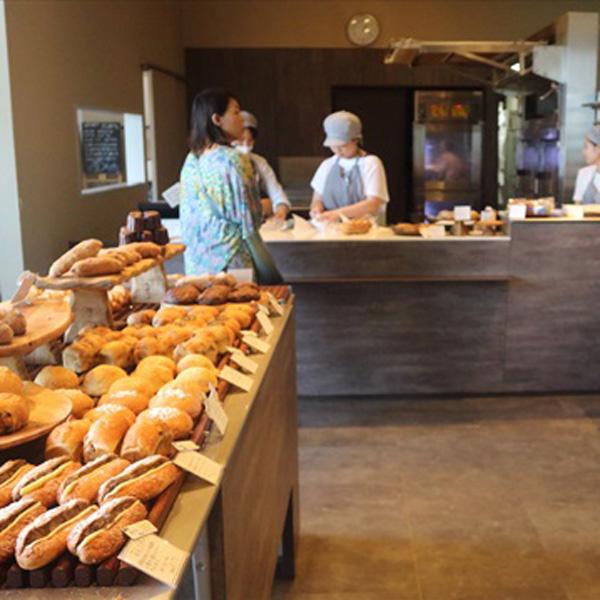 「365日」の杉窪シェフプロデュース店には今、「新麦」マークがいっぱい/ブルージャム