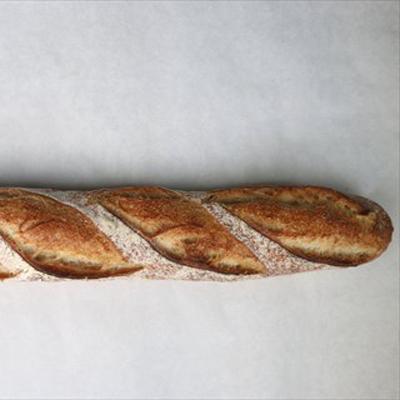 たったひとりでパン、ケーキ、焼き菓子、ジャムを見事なうつくしさで作る岐阜の鉄人/ワイ クニエダ