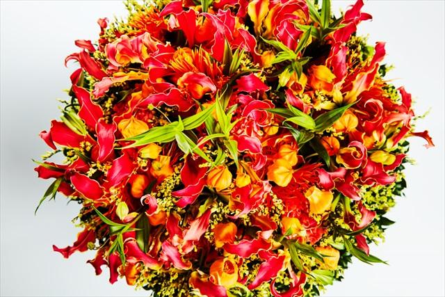 花を贈ろうにも「お金は自分のために」と断る母ががんに。今度こそエールを送る花束を