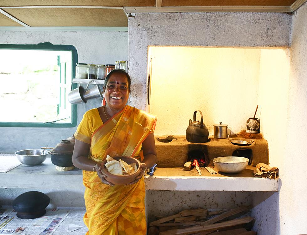 《スリランカ 光の島へ》<8>マダム、お茶にしませんか?