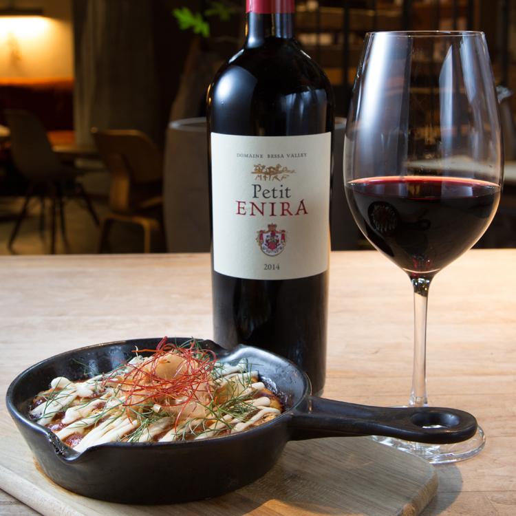 キャッシュオンで楽しむ創作料理と自然派ワイン