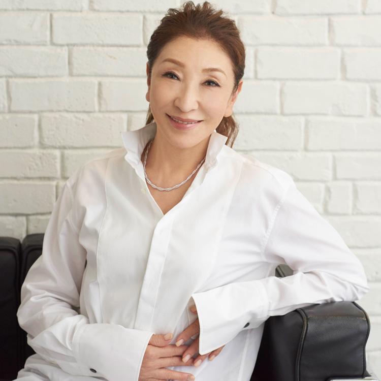 安藤和津さん「家族に注ぐ愛は、プラチナがくれるパワーのよう」