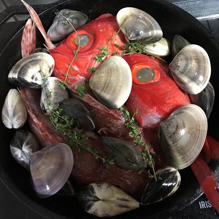 地魚の簡単アクアパッツァと、最近お気に入りの肉料理