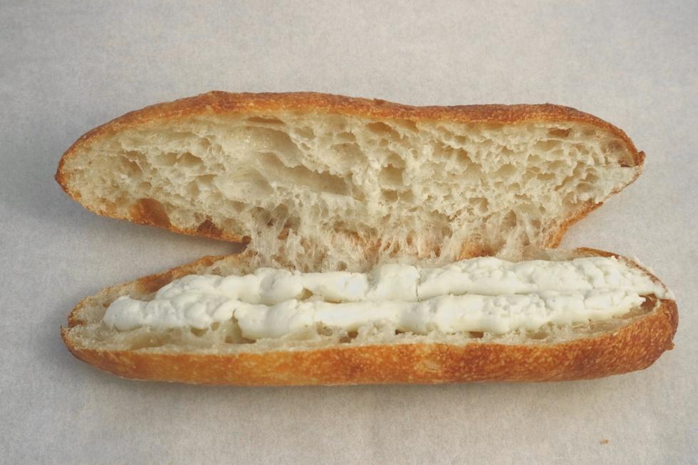 """""""福の神""""がほほ笑んだ、バゲットでつくるミルクフランス/オパン"""