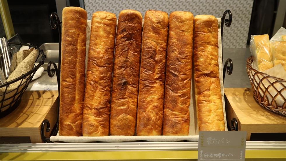 えっ、パンの中にあさり!? 途中下車しても食べたい豊橋グルメを詰め込んだパン屋/豊市パン
