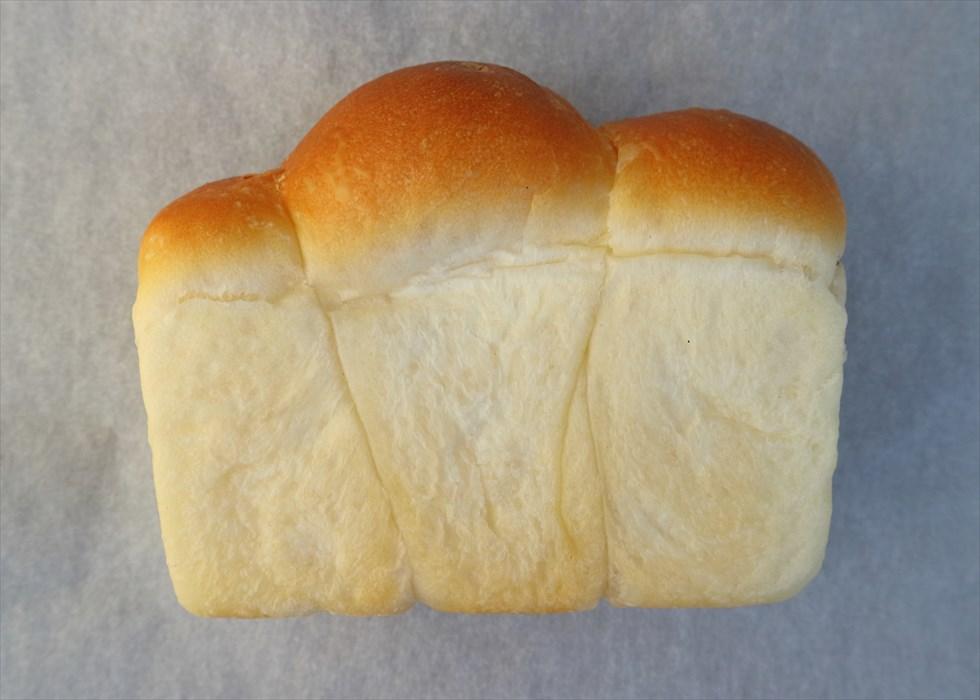 【パンと絶景】標高2307m! 日本一高い場所にあるパン屋で食べる「山型パン」/横手山頂ヒュッテ