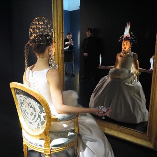 「シャネルのイメージを作り続けて」ジャンポール・グード展、銀座で開催