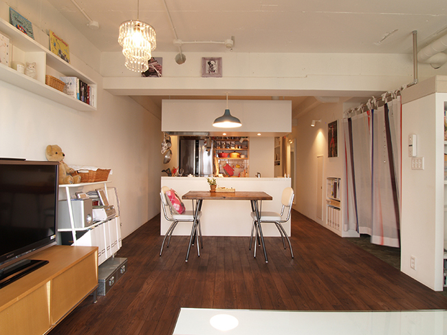"""<strong><a href=""""/and_w/life/gallery/renovation20140611/"""">リノベーションの写真はこちら</a></strong>"""