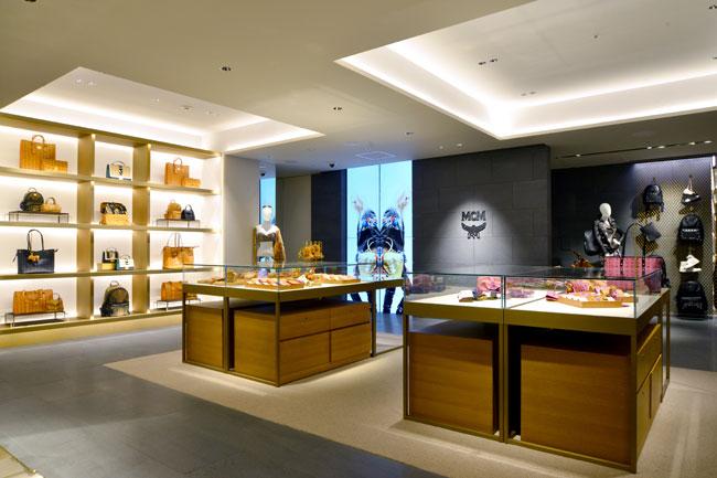 huge selection of 4da26 6e777 ファッションニュース〉高級ブランド、銀座に出店 アジアへ発信 ...