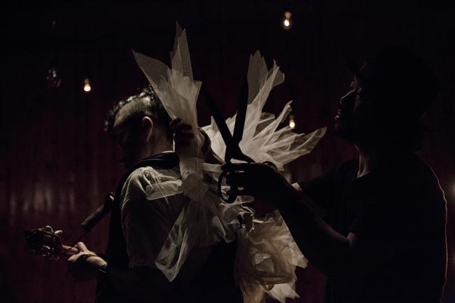 仕立て屋のサーカス(photo:Ryo Mitamuta)