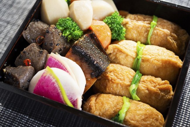 ゆずの香りのお稲荷さん/鰤の西京焼き/里芋とにんじんの煮物/ブロッコリー/蕪のゆず麹漬けピリ辛こんにゃく炒め